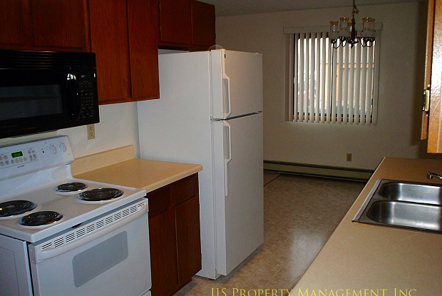 Parkview Apartments - 535 6th St, Avon, MN 56310