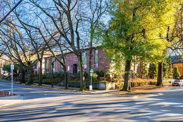 1800 Stark Apartments - 1800 Southeast Stark Street, Portland, OR 97214