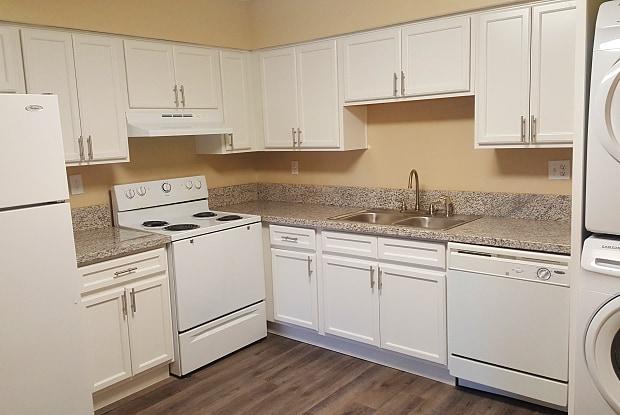 Park Greenvale - 2950 E Greenway Rd, Phoenix, AZ 85032