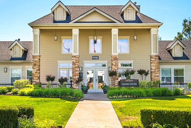 Villas at Countryside - 9501 S I-35 Service Rd, Moore, OK 73160