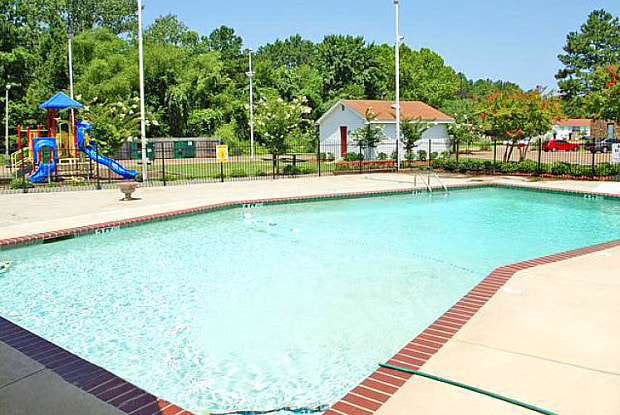 Cypress Point Apartments - 1805 Hospital Dr, Jackson, MS 39204