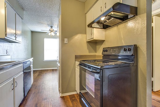 Bedford Hills - 964 Simpson Ter, Bedford, TX 76021