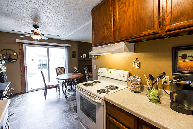 Crestview Apartments - 2027 N 16th St, Bismarck, ND 58501