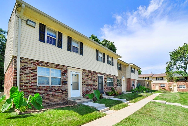 The Village of Chartleytowne - 401 Chartley Park Rd, Reisterstown, MD 21136