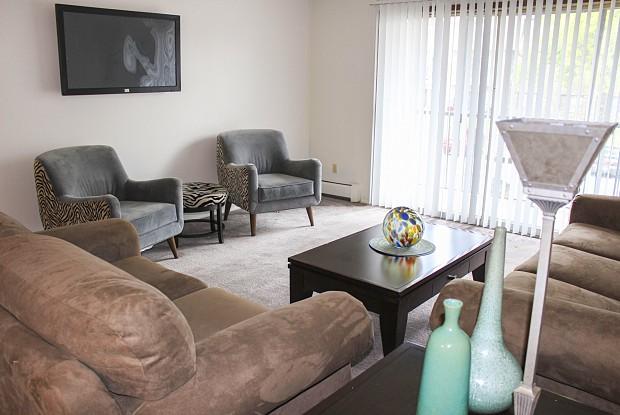 Autumn Ridge Apartments - 8516 63rd Ave N, Brooklyn Park, MN 55428