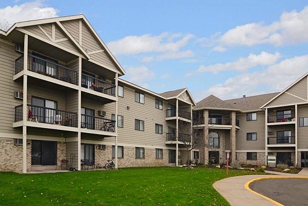 Wellington Ridge - 9787 Palm St NW, Coon Rapids, MN 55433