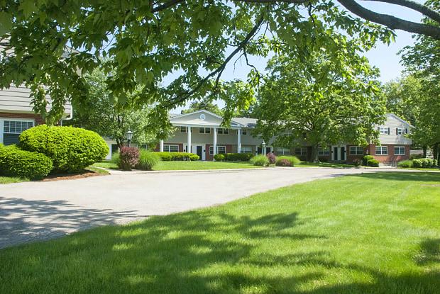Kenwood Crest Apartments - 7505 Montgomery Road, Kenwood, OH 45236