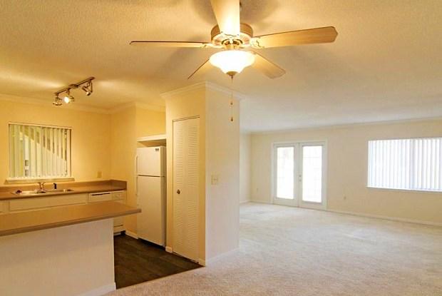 Avesta Shore Club - 3211 S Semoran Blvd, Orlando, FL 32822