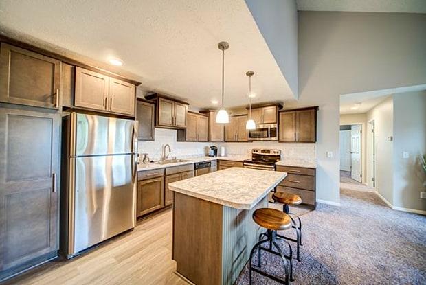 Pine Lane Estates - 2512 Lake Lansing Rd, Lansing, MI 48912