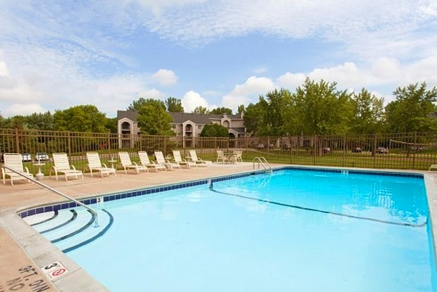 Plymouth Ponds Apartments - 4545 Nathan Ln N, Plymouth, MN 55442