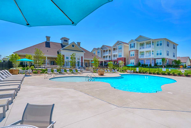 The Point at Waterford Crossing - 100 Spade Leaf Blvd, Hendersonville, TN 37075