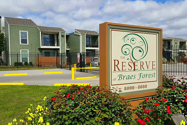 Reserve at Braes Forest - 8000 Creekbend Dr, Houston, TX 77071