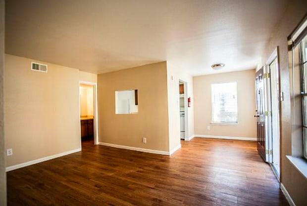 Casa Adobe Apartments - 74 Lyerly St, Houston, TX 77022