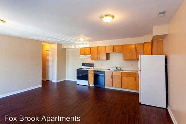 Fox Brook Apartments and Towne Homes - 4000 N Walnut St, Muncie, IN 47303