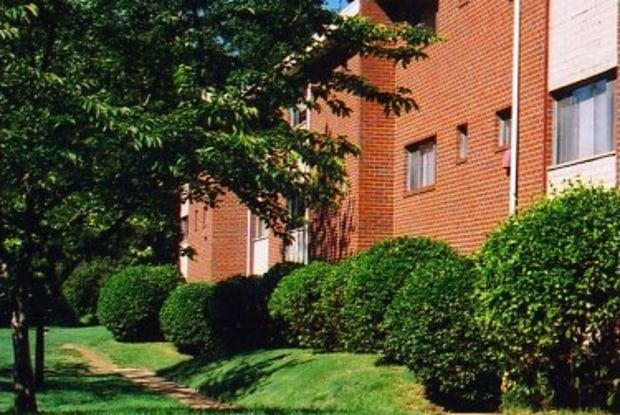 Hamilton Park - 6136 Fairdel Ave, Baltimore, MD 21206