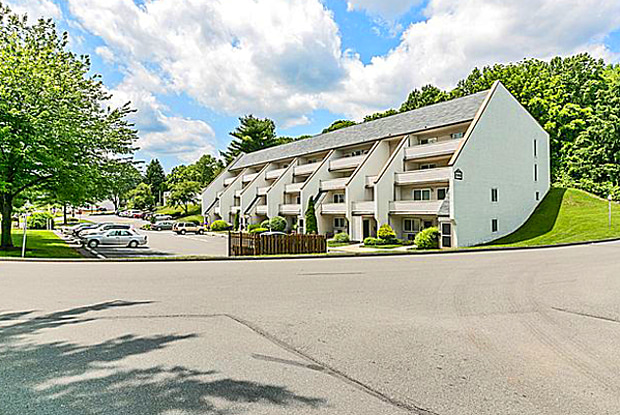 Lincoln Park - 1342 W Wyomissing Blvd, West Lawn, PA 19609