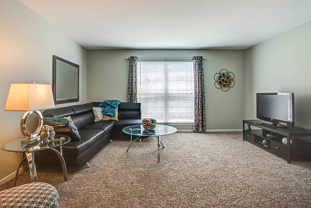 Stratford Green Apartment Homes - 492 Vinings Dr, Bloomingdale, IL 60108