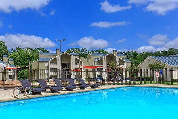 Stone Creek - 6100 Hollytree Dr, Tyler, TX 75703