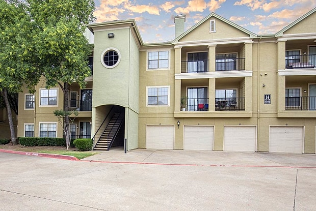 Round Grove - 201 E Round Grove Rd, Lewisville, TX 75067
