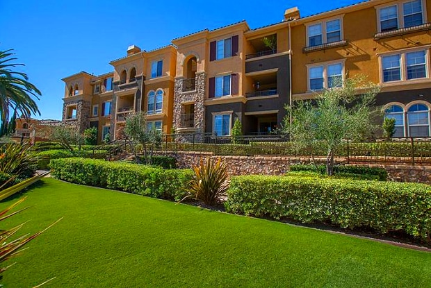 Portofino - 2500 Northside Dr, San Diego, CA 92108