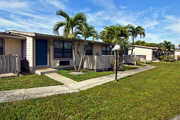 Centre Lake - 15754 Northwest 7th Avenue, Miami, FL 33169