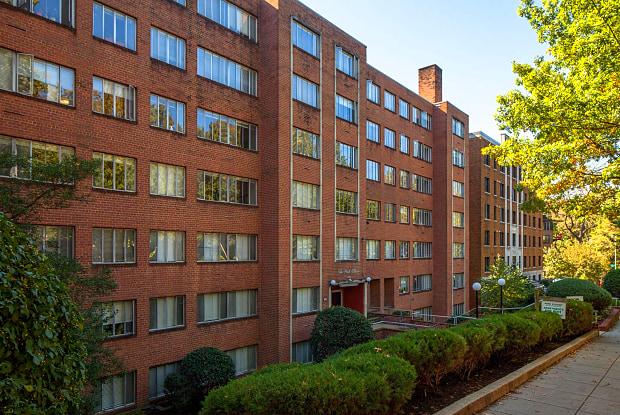 Park Ellison - 1700 Harvard St NW, Washington, DC 20009