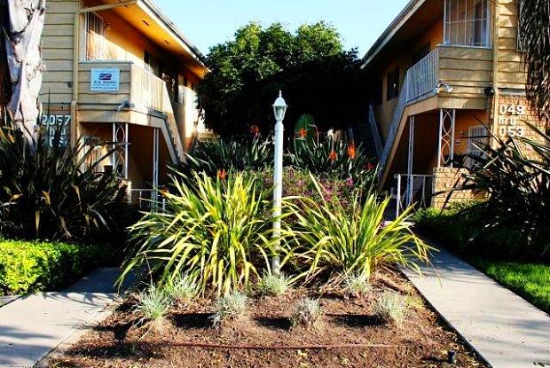 Oliver Avenue I - 2049 Oliver Ave, San Diego, CA 92109