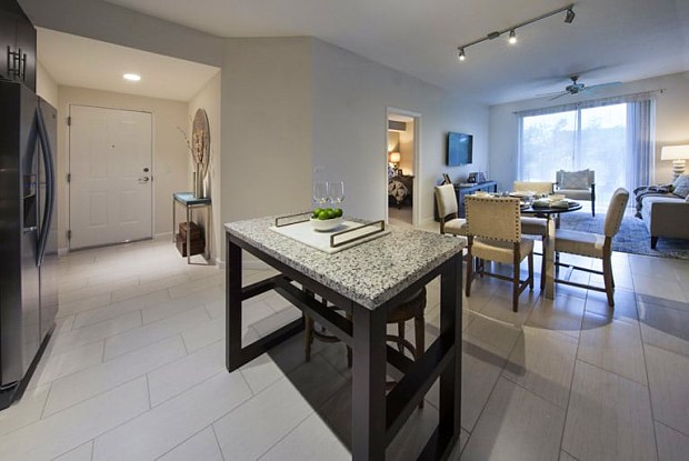 Town Fountainebleau Lakes - 1062 NW 87th Ave, Miami, FL 33172