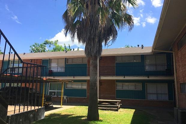 Mirabella Apartments - 816 Oak St, Houston, TX 77018