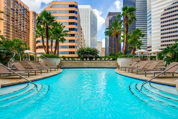 One Park Place - 1400 McKinney St, Houston, TX 77010