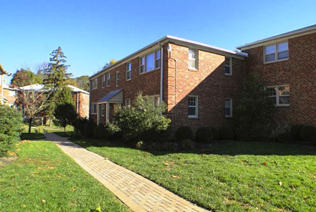 Elkins Park Gardens - 8000 High School Rd, Jenkintown, PA 19027