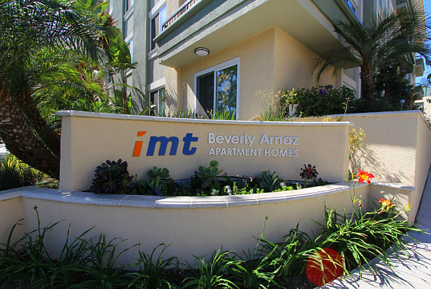IMT Beverly Arnaz - 467 Arnaz Dr, Los Angeles, CA 90048
