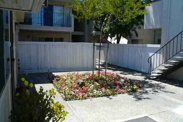El Camino Patio - 3151 El Camino Ave, Sacramento, CA 95821