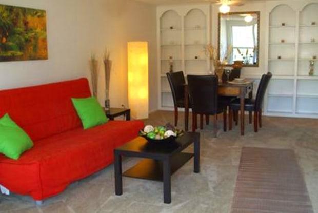 Palm Harbor Villas - 820 N Wickham Rd, Melbourne, FL 32935