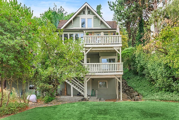 Montlake Duplex - 2366 Boyer Ave E, Seattle, WA 98112