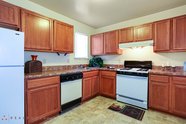 The Mayfair Apartments - 5826 Newtown Arch, Virginia Beach, VA 23462