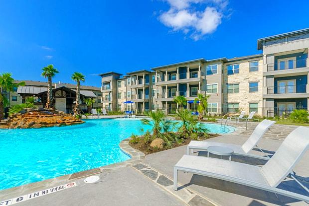 Legacy Flats - 10418 Shaenfield Rd, San Antonio, TX 78254