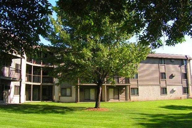 Southwood Apartments - 10120 Lyndale Cir S, Bloomington, MN 55420