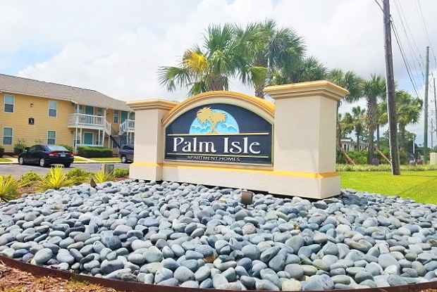 Palm Isle - 251 Eisenhower Dr, Biloxi, MS 39531