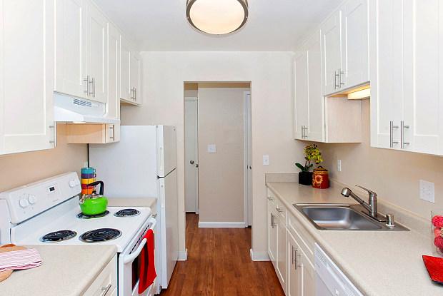 Brewster Place - 600 Brewster Avenue, Redwood City, CA 94063