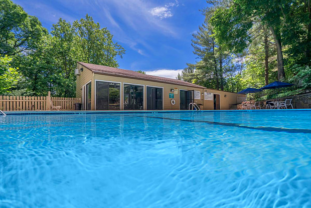 Dogwood Hills - 200 Evergreen Ave, North Haven, CT 06518