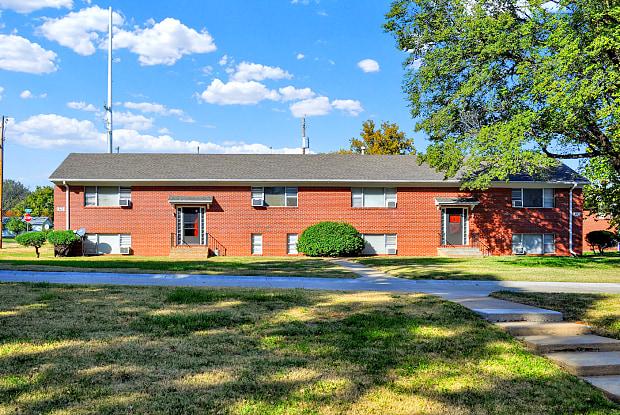 Washburn South - 2100 Southwest High Avenue, Topeka, KS 66611