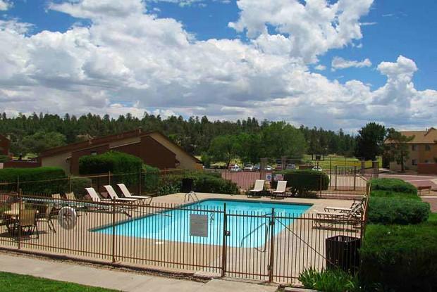 Monument Ridge Apartments - 5205 E Cortland Blvd, Flagstaff, AZ 86004