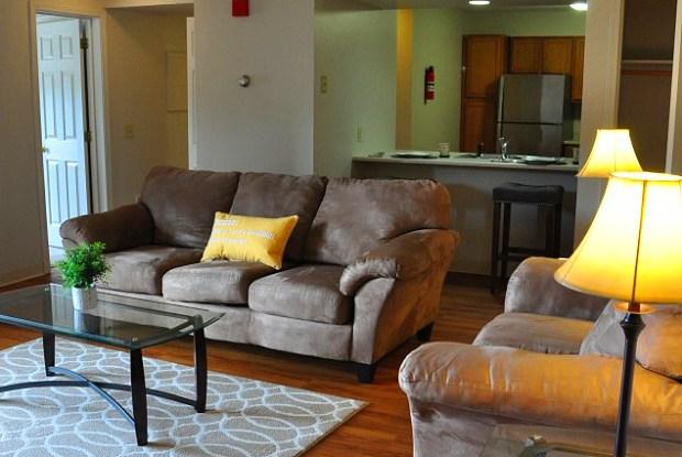 Stone Farm Apartments - 42 Wolf Rd, Lebanon, NH 03766