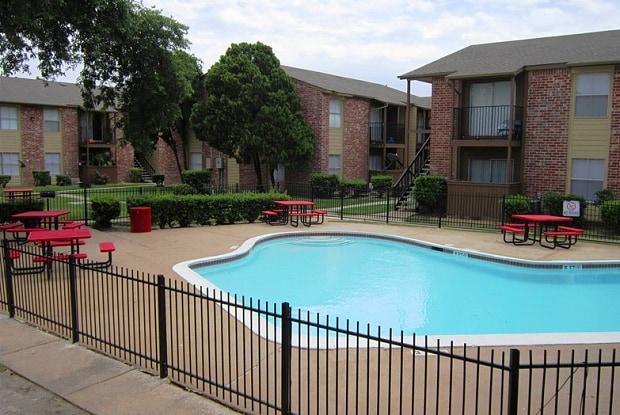 Arbor On Richmond - 3401 Ocee St, Houston, TX 77063