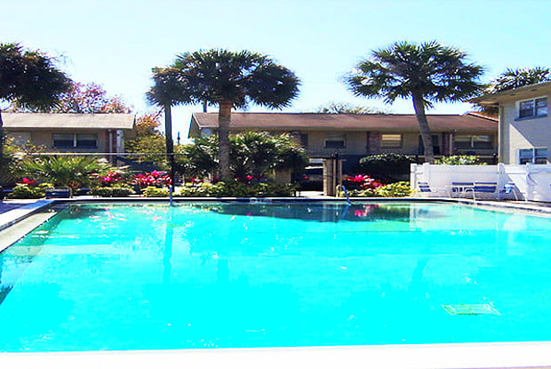 Lakeland Manor - 929 Gilmore Ave, Lakeland, FL 33801