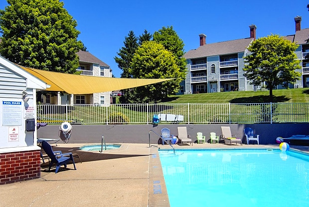 Wyndham Hill - 1851 Knapp St NE, Grand Rapids, MI 49505