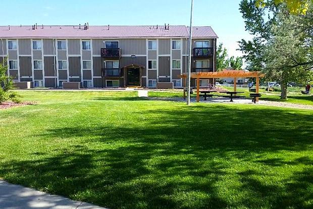 Sunridge Apartments - 3900 E 12th St, Casper, WY 82609