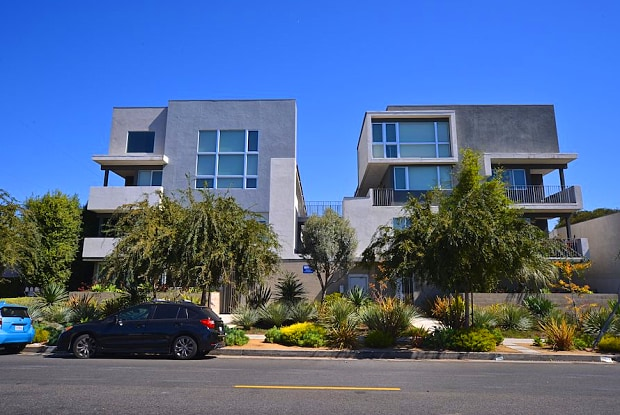 Mar Vista Lofts - 3992 S Inglewood Blvd, Los Angeles, CA 90056