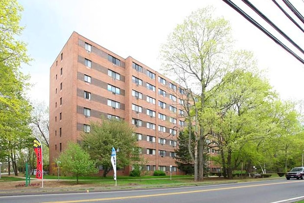 Newfield Towers - 220 Newfield St, Middletown, CT 06457